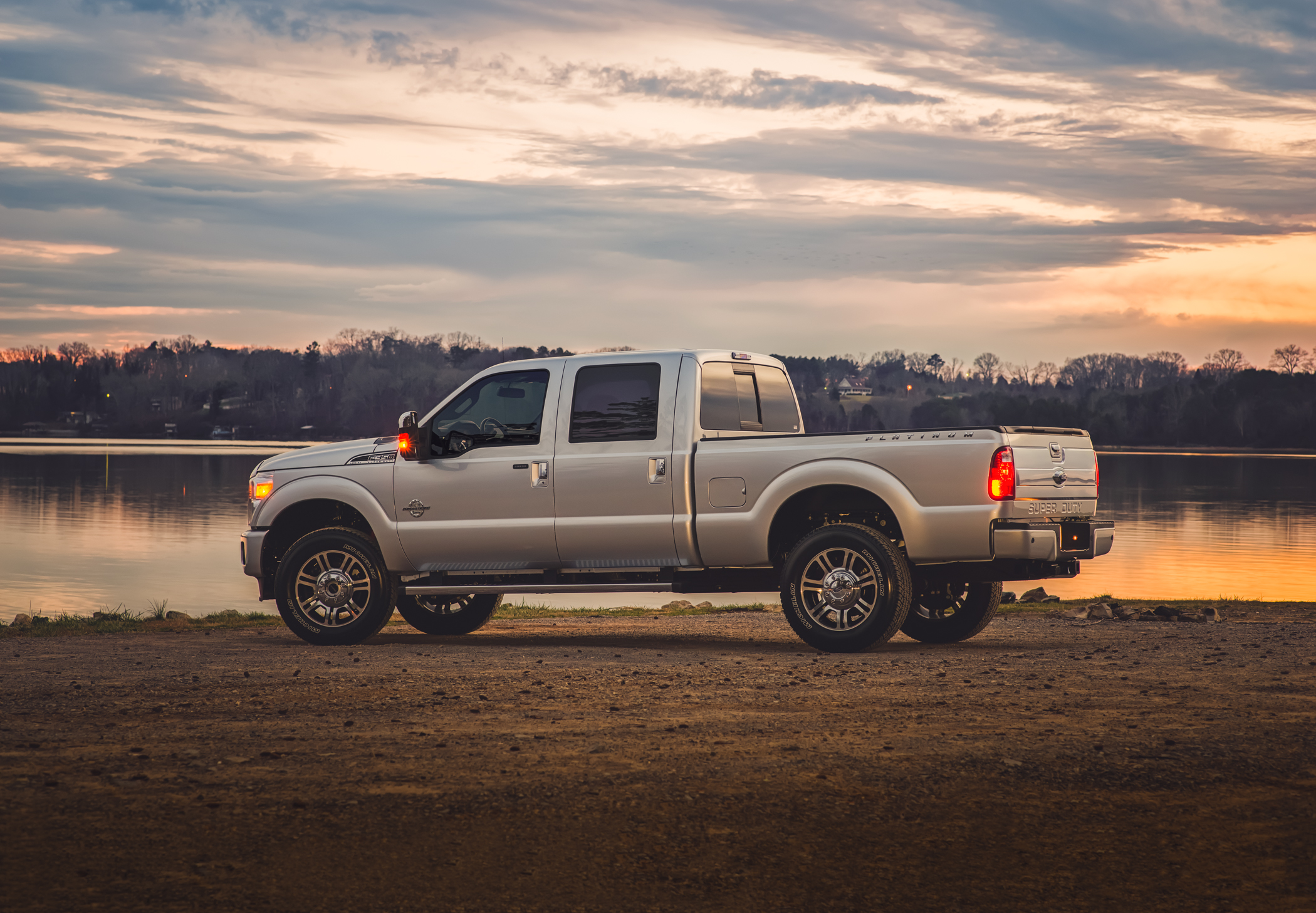 2016 Ford F-350 Platinum 6.7L Power Stroke Turbo Diesel in Ingot Silver Metallic