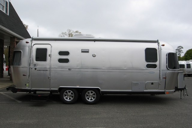 2013 Airstream 25FB Flying Cloud