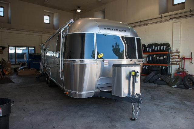 2015 Airstream 27FB International Signature