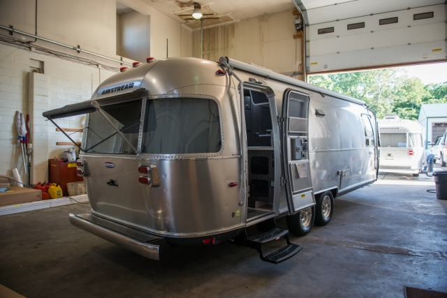 First walk around of our 2015 Airstream 27FB International Signature