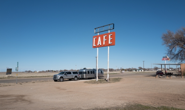 Lunch stop at the Route 66 midpoint