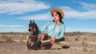 Mural featuring Elizabeth Taylor painted by California based muralist John Cerney