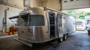 First walk around of our new Airstream 27FB International Signature at Colonial Airstream
