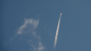 SpaceX CRS-7 climbs toward the International Space Station