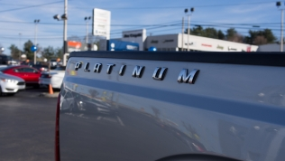 2016 Ford F-350 Platinum badging