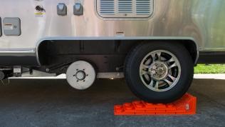 Centramatic wheel balancer installation
