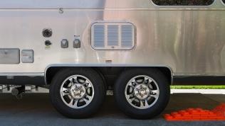 Centramatic wheel balancers