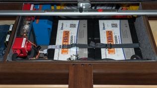 Dual 300, 600Ah LifeBlue lithium batteries with Victron Multiplus 3000VA Inverter