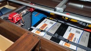 Dual 300, 600Ah LifeBlue lithium batteries, Victron Multiplus 3000VA Inverter installation